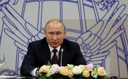 ロシア大統領、2024年の任期切れに伴い退任する意向表明
